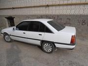 Продам Opel Omega белого цвета.